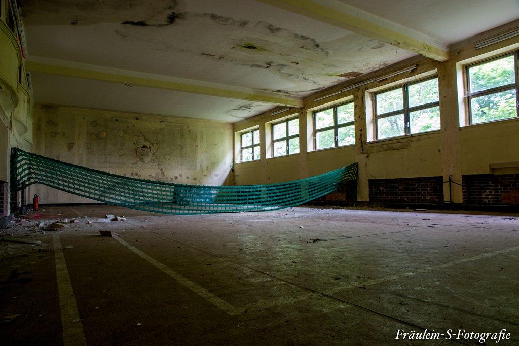 ehemaliger Kinosaal/Sporthalle